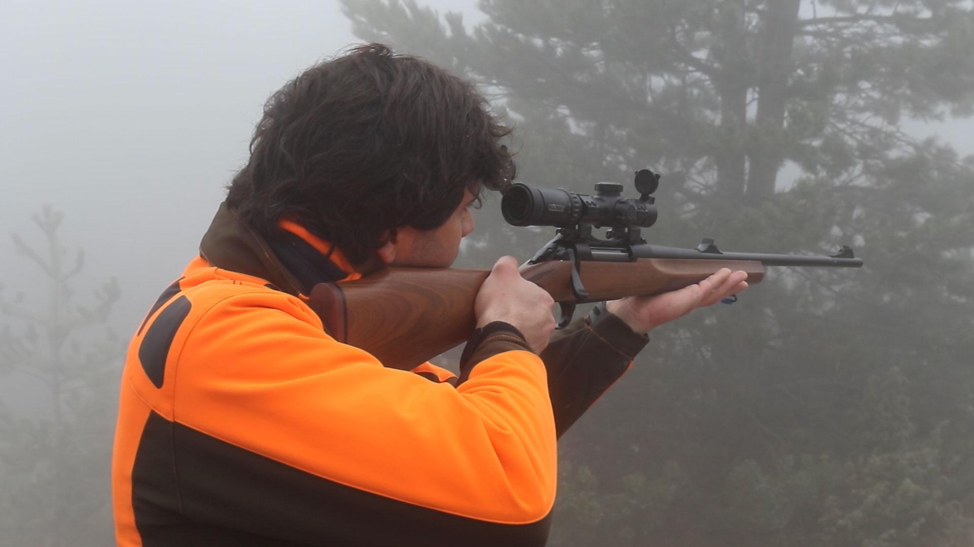 ottica per carabina bolt action da caccia al cinghiale in battuta konus